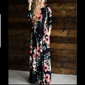 Dresses & Skirts - Black Floral Maxi Dress